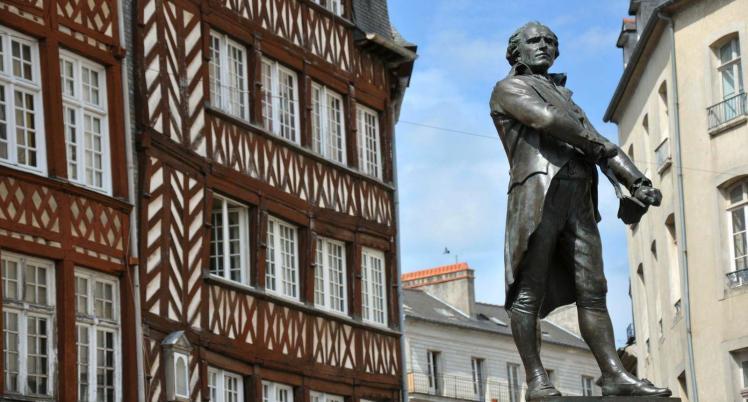 54270_1_place-du-champ-jacquet-centre-historique-de-rennes.jpg