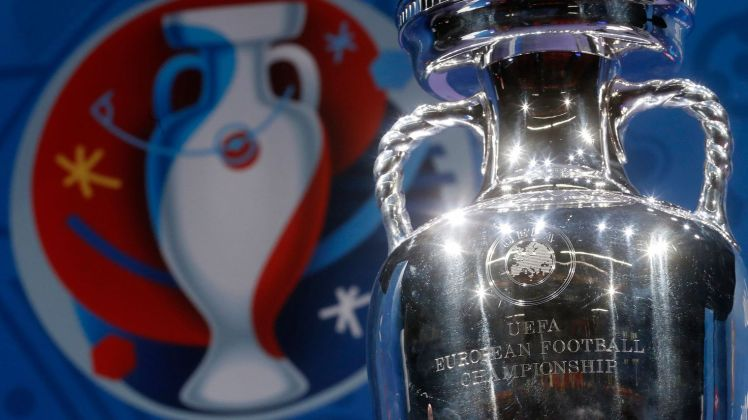 the-trophy-of-the-euro-2016-soccer-tournament-is-displayed-during-a-news-conference-one-hundred-days-before-the-start-of-the-competition-in-paris_5552821