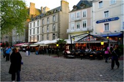 La place Chateaubriand