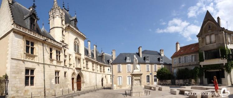 5640c0e1e3612_palais-jacques-coeur-site-4