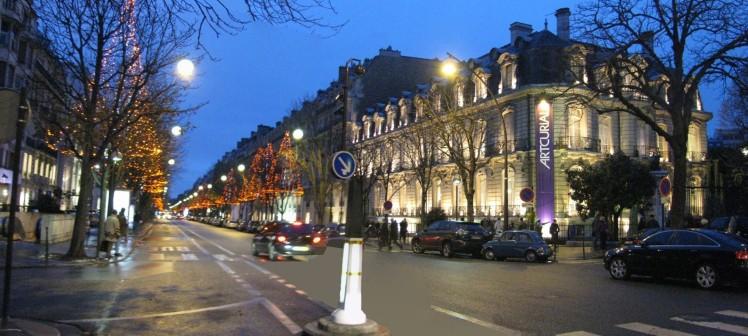 Avenue_Montaigne_-_Paris_-_panoramio